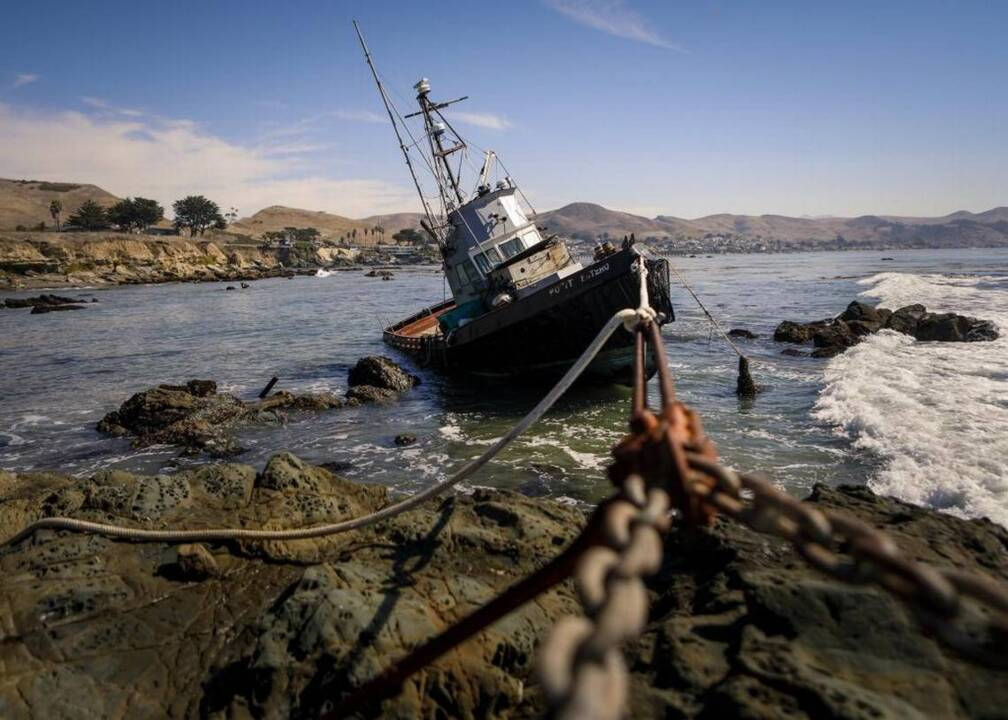 Boat stuck on rocks near cayucos may never be removed for Fresno bee fishing report