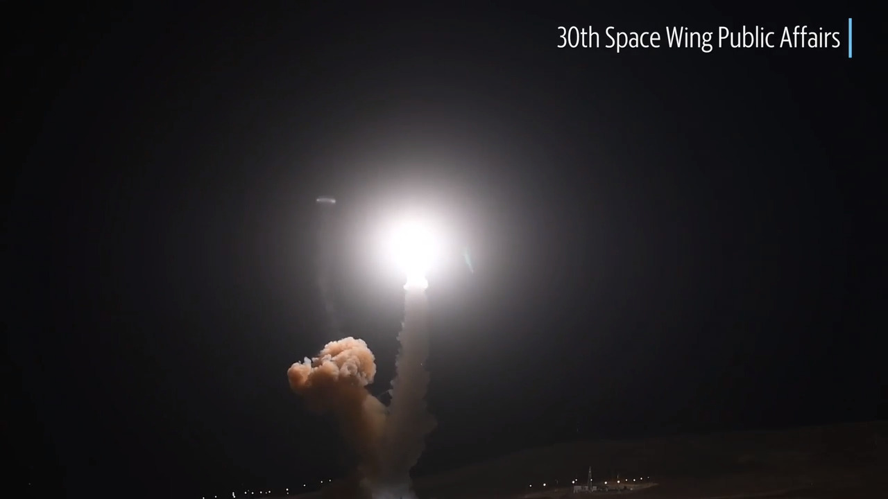 Unarmed Minuteman III missile launches from Vandenberg