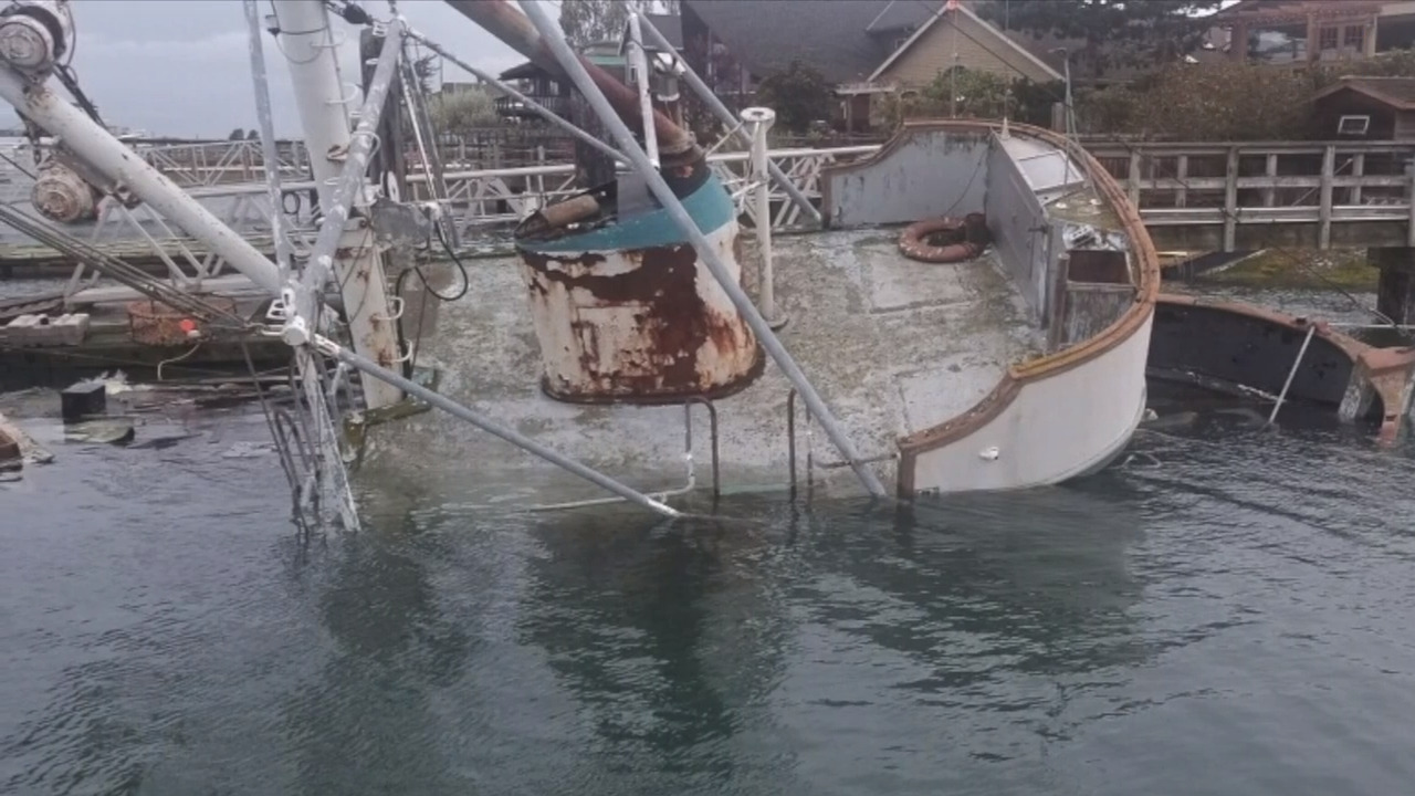 'It's a real peach,' Whatcom home owner says after second derelict boat sinks