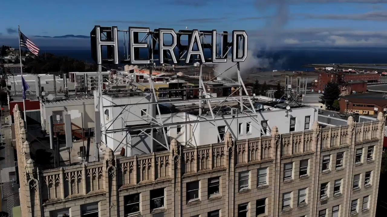 With the newspaper staff moving, here's what's happening to iconic the Herald sign
