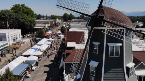 Northwest Raspberry Festival draws thousands to Lynden