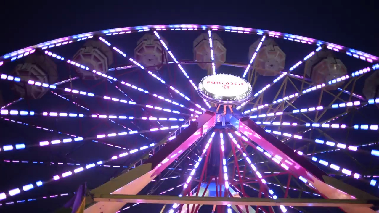 Take A Ride On This Colorful Ferris Wheel At Night Northwest Washington Fair San Luis Obispo Tribune