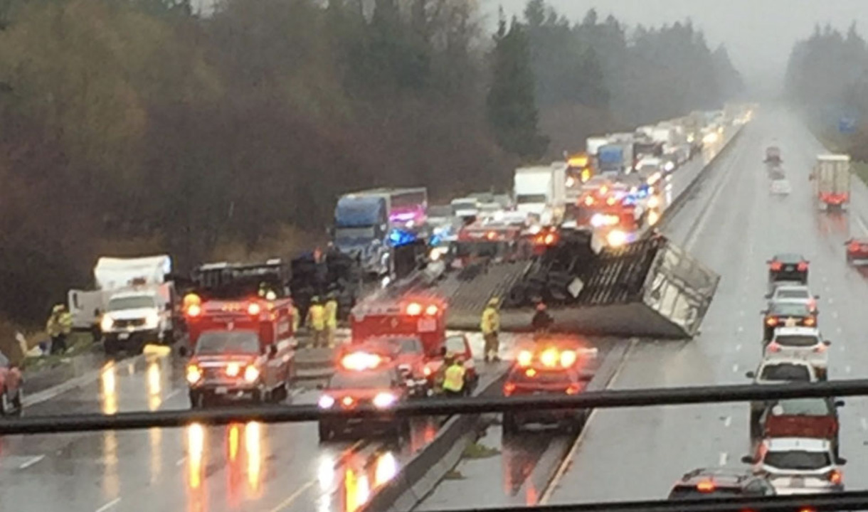 Crash blocks southbound lanes of I-5 near Tumwater | The Olympian