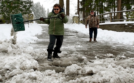 More snow for South Sound Sunday morning, followed by chance of freezing rain, then rain