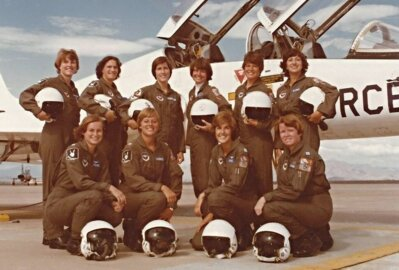 Trailblazing female pilots say there's still work to do after breaking military aviation barriers