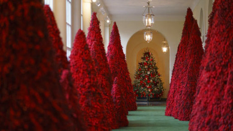 Take a 360-degree tour of the 2018 White House holiday decorations