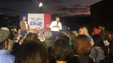 In Iowa, Buttigieg says he would bring bring an outsider's perspective to Washington