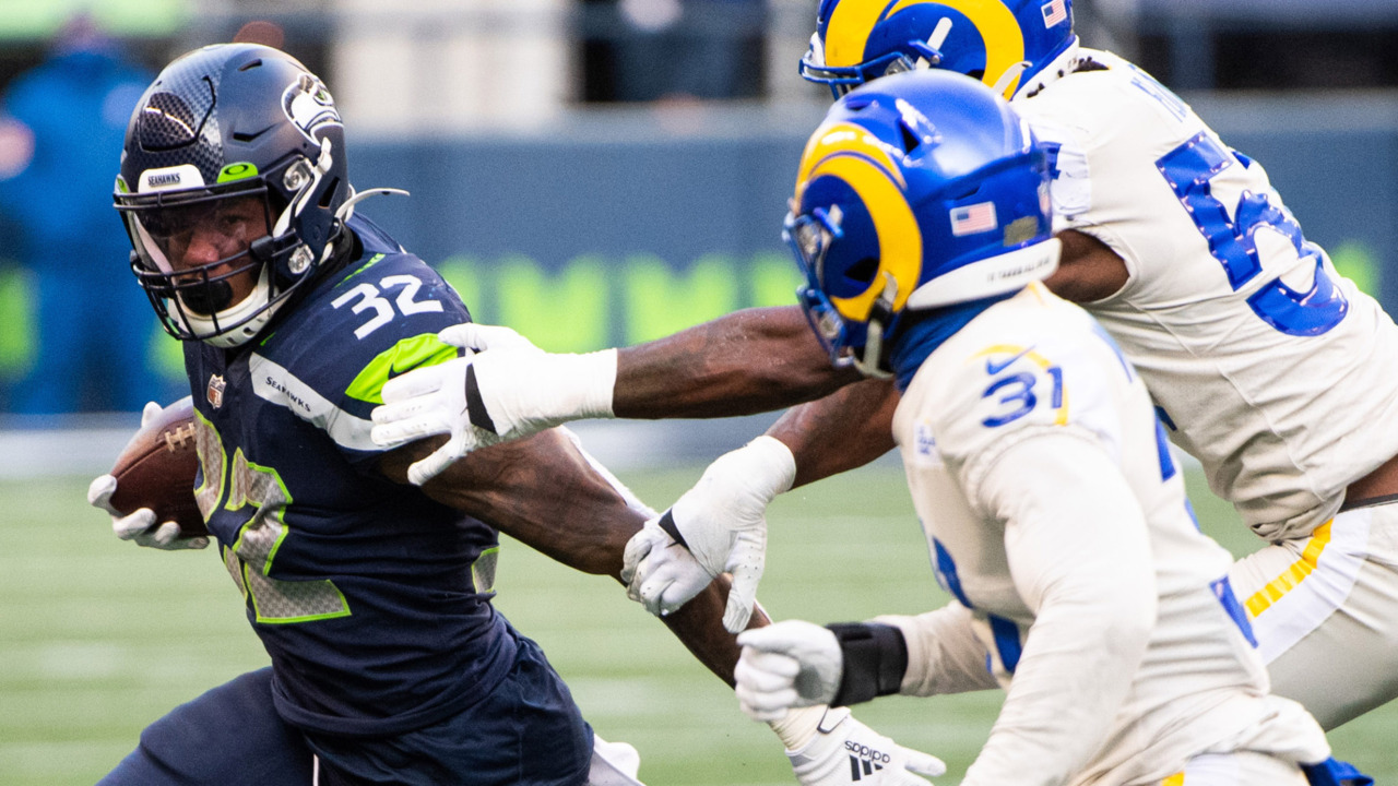 Re-signed Chris Carson buys mom a house, sees a new role with a new Seahawks play caller