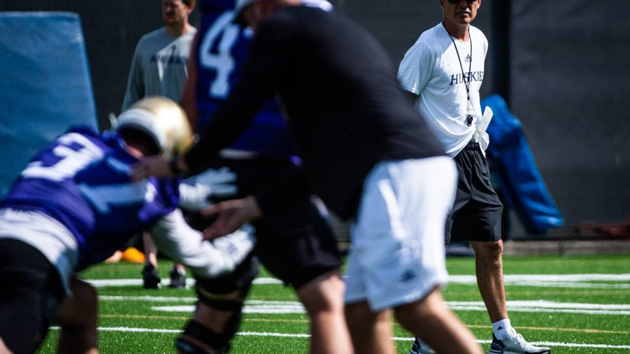 Petersen offers little information on UW's starting quarterback battle