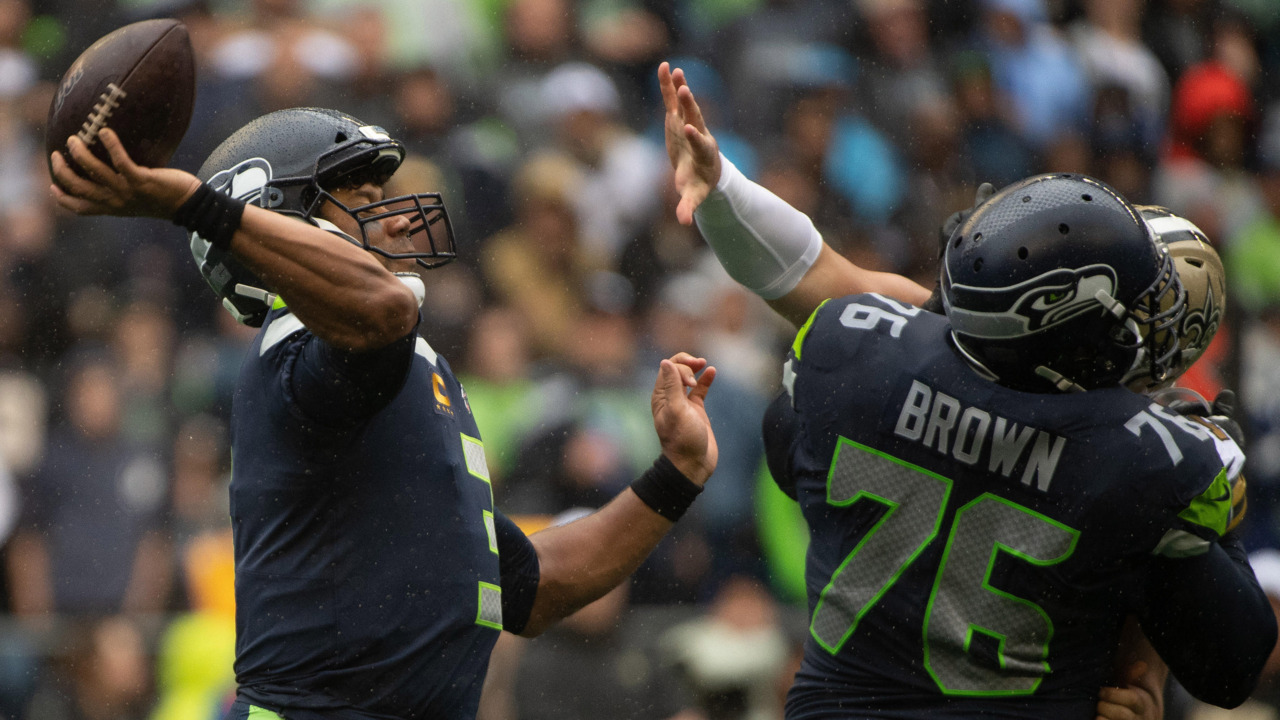 Russell Wilson stars but Seahawks get what they deserve in 33-27 loss to Brees-less Saints