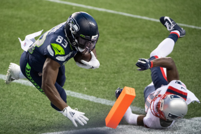 Seahawks receiver David Moore on his key tightrope-walking TD catch