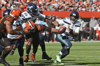 Time to praise much-maligned Germain Ifedi for what he did on key Seahawks TD in Cleveland