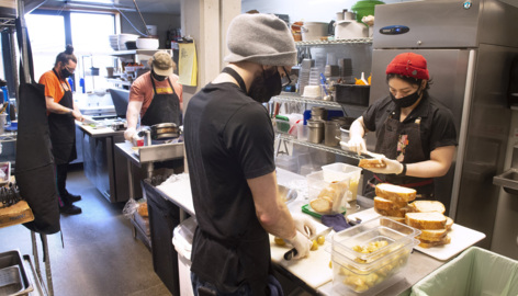 Text-based HelpKitchen connects Tacomans with 5,000 free meals a week