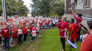 Tacoma teachers stage noisy rally outside school district press conference