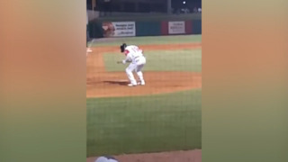 Watch this Mariners' Double-A player go through his whacky pre-batting ritual