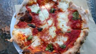 Food truck owners are Sirius about wood-fired pizza