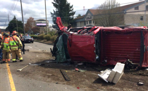 Truck crash knocks out power in Lakewood