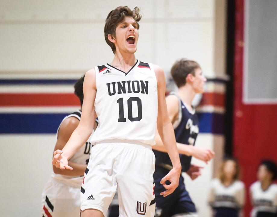 Olympia's comeback falls short against No. 1 Union in 4A district tournament
