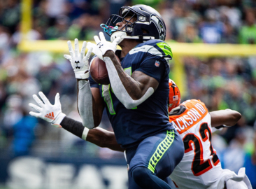 DK Metcalf details lessons from first Seahawks games--and why he uses a binkie mouthguard