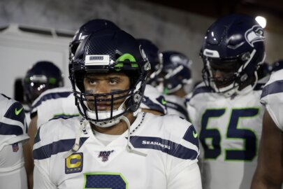 Seahawks lose what had them surging: no pass rush, no offense in 28-12 loss at Rams