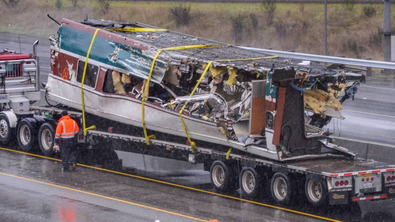 Southbound I-5 near train derailment area 'could be closed for several days'