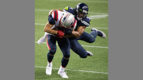 Bobby Wagner prepares for yet another Seahawks game against Dallas