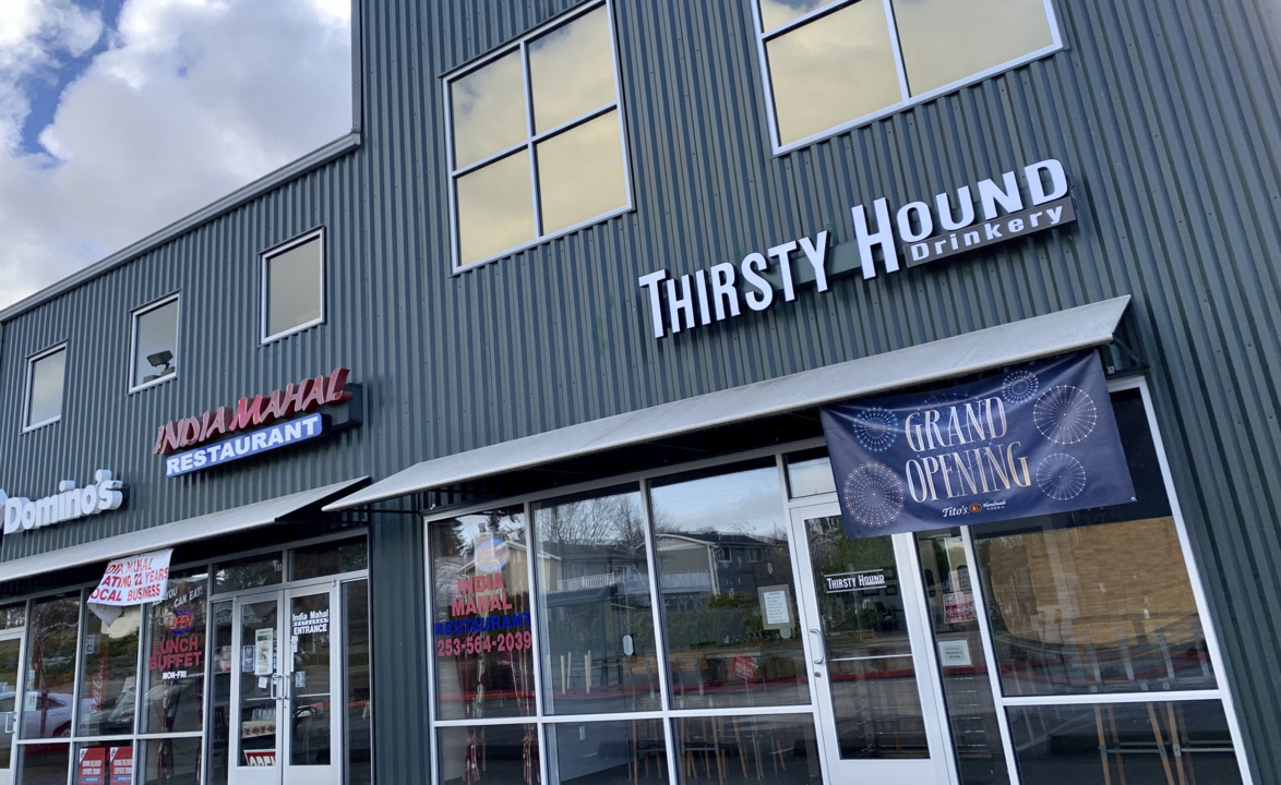 New easygoing bar in UP features beer cheese and Thai chicken