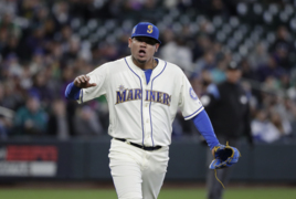 Felix Hernandez frustrated by balk call, happy with command, but Mariners fall to A's
