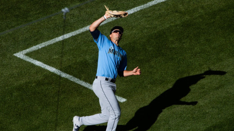 Mariners rookie first baseman Evan White on Gold Glove win: 'Definitely a dream come true'