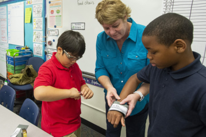 Tacoma teacher given national award by White House
