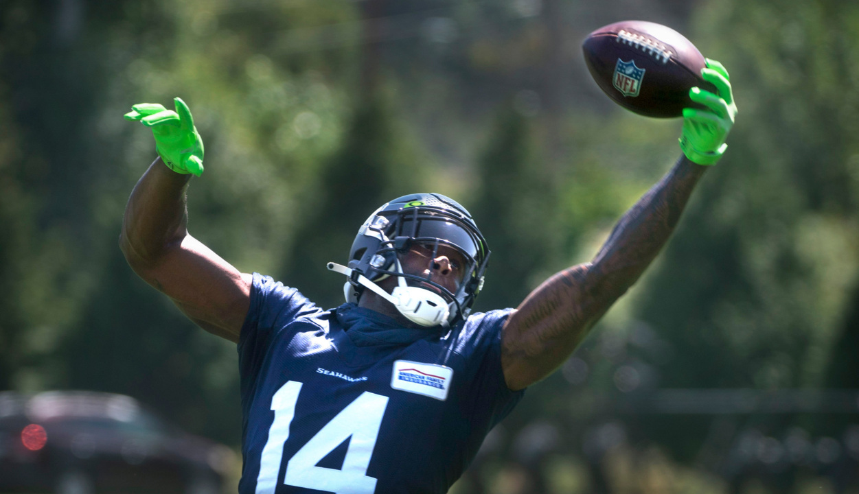 Seahawks DK Metcalf 'hungrier' after offseason work again with Russell Wilson in San Diego