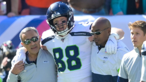 "Seahawks' tight end Will Dissly suffers ""devastating injury"" at Cleveland"