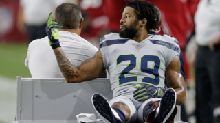 Earl Thomas reveals whom he was flipping off in his final Seahawks act. And it's no surprise