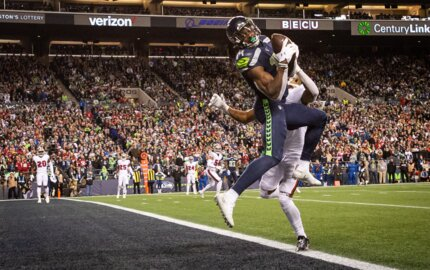 Seahawks' DK Metcalf donates to Seattle hospital fighting COVID-19, to hometown for meals