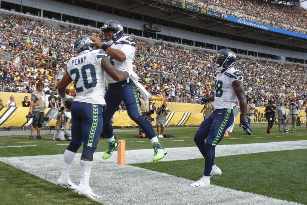 MVPs of Seahawks' rally for rare win at Pittsburgh: Wilson, Penny--and Schottenheimer