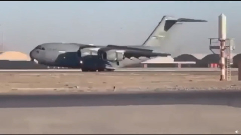 McChord C-17 makes amazing gear-up emergency landing in Kandahar, Afghanistan
