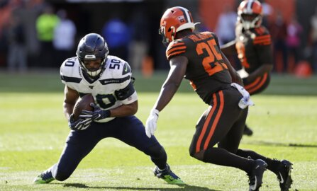 Chris Carson, Russell Wilson to Tyler Lockett, greedy defense send Seahawks over Browns