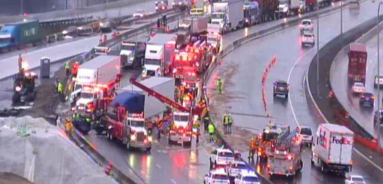 Crash shuts down Interstate 5 southbound at Route 16 in Tacoma