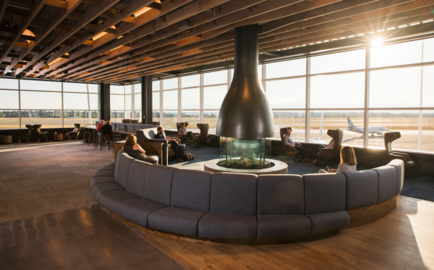 Alaska Airlines unveils new lounge at Sea-Tac