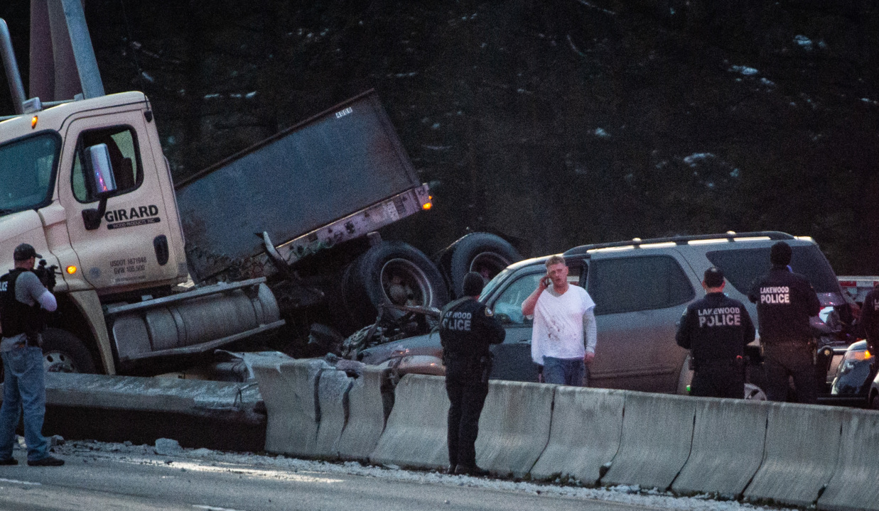 Police pursuit leads to standoff and crashed semi on I-5 in Lakewood