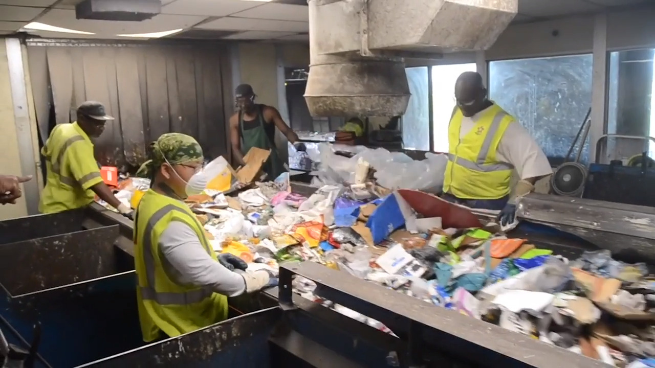 Is recycling collapsing in California? Advocates call on lawmakers to rescue it