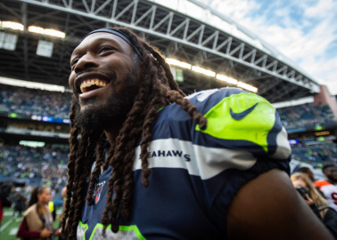 Keep Jadeveon Clowney? In some ways, Seahawks better situated than with Frank Clark