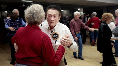 World War II veteran is 102 years old, and he's still cutting a rug on the dance floor