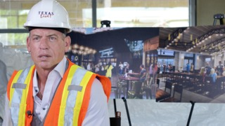 Troy Aikman Announces New Restaurant to Open at Texas Live!