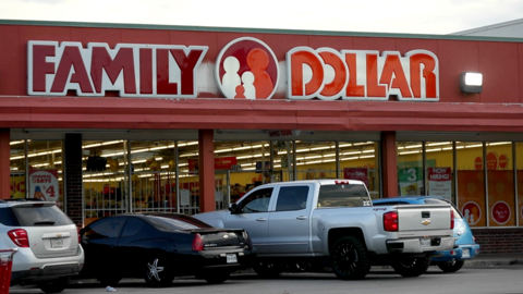 Want to make poor areas of Fort Worth healthier, wealthier? First, limit dollar stores