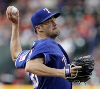 Cole Hamels not thinking about being traded by Rangers