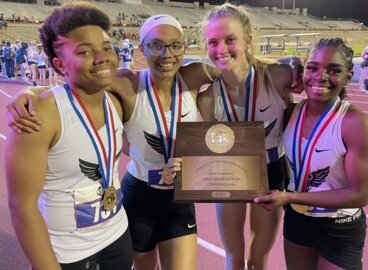WATCH: Kennedale girls win 4x400 relay at UIL Class 4A state track meet