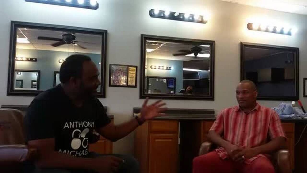 f19a819e7 Barbershop talk about Tony Romo with former Cowboys S Larry Brown ...