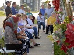 Former parishioners hold makeshift service, pray to save San Mateo Catholic Church