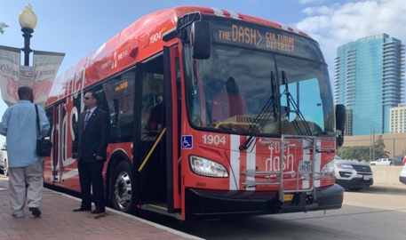 Fort Worth starts electric bus service to downtown, museums